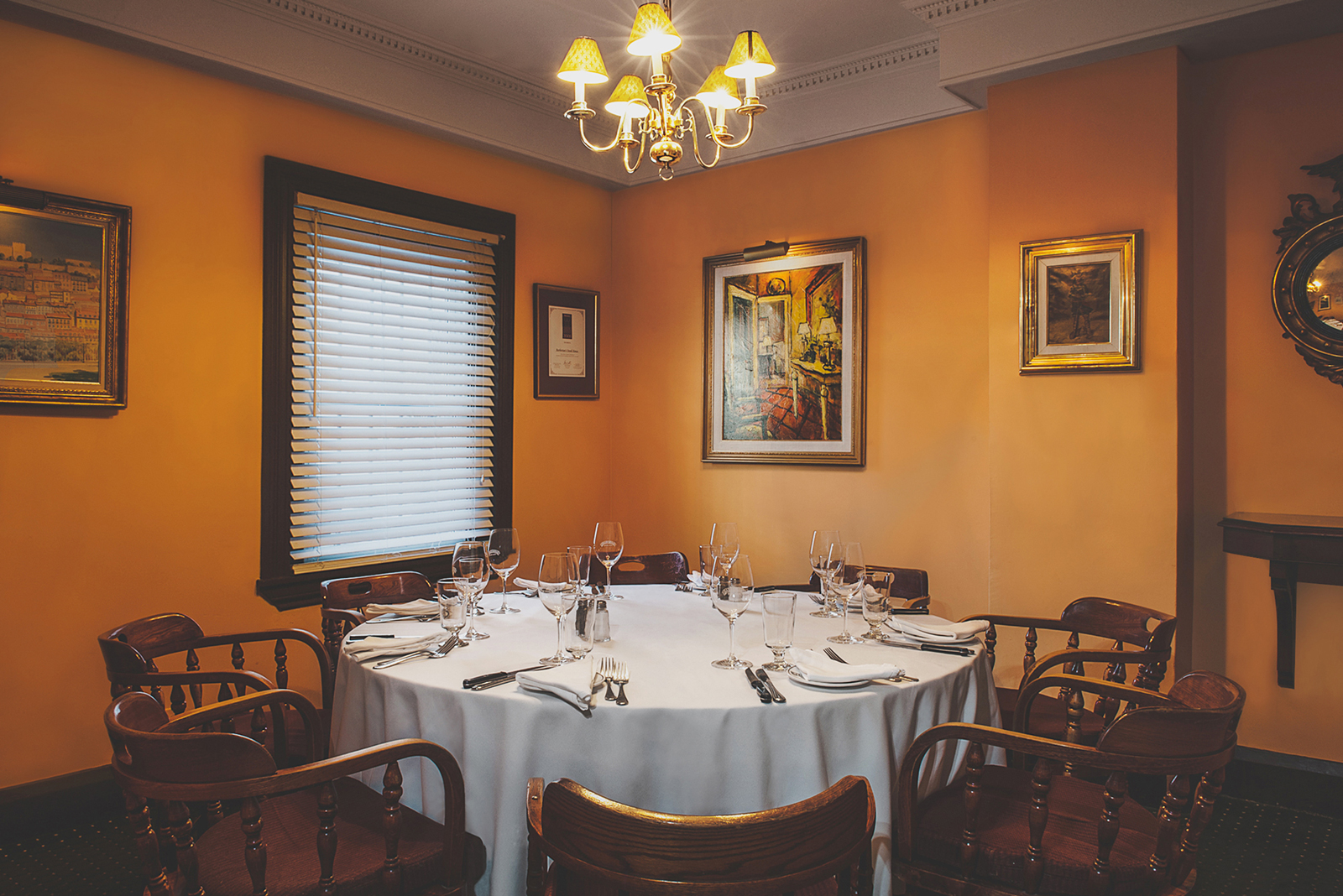 Round Table Room Roundtable En